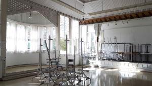 Festsalen i Nordiska konstskolan i Karleby.