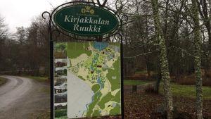 En skylt vid Kirjakkala bruk.