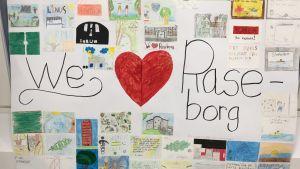 """Teckningar kring en text där det står """"We hjärta Raseborg"""""""
