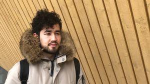 Mojtaba Qanezadeh, bosatt i Helsingfors, följer dagligen med den politiska utvecklingen i Afghanistan.