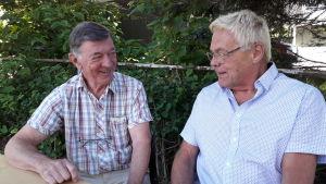 Halvbröderna Sture Borgar och Roland Backman.