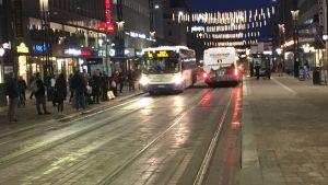 Hämeenkadun itäpää Tampereella aamulla.