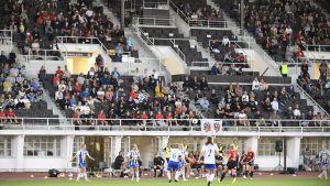Rekordpublik i Nationella ligan då Olympiastadion öppnades med matchen PK-35 – HJK.