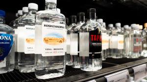 Flaskor med brännsvin på Alko