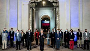 Den konservativa Sebastián Piñera som motsattes sig förslaget om en ny grundlag, erkände Nej-sidans förlust och varnade för den långa process som Chile står inför.