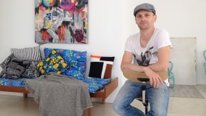 Christoffer Relander i kollektivet och studion Spinneriet, i Ekenäs.