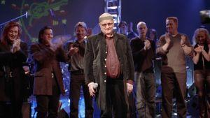Juice Leskinen 50-vuotisjuhlakonsertissaan vuonna 2000.