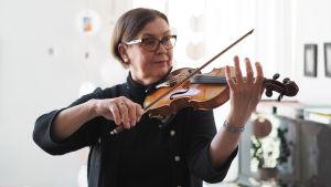 Violinlärare Päivi Onttonen