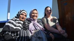 Eklas Radhi, Shaymaa Wahid och Jeanette Ghadir.