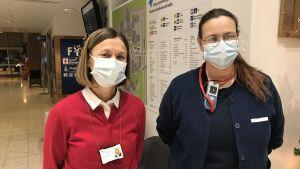 Saija Seppelin, överskötare för akutvården och Linda Bäcklund, sjukskötare på akutpolikliniken.