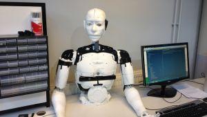 Den här robotens delar har printats av en 3D-printer.