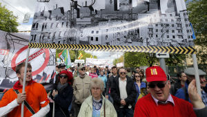 Tusentals människor demonstrerade i Moskva den 28 maj 2017 mot stadens planer på att riva tusentals gamla hus från sovjettidden.