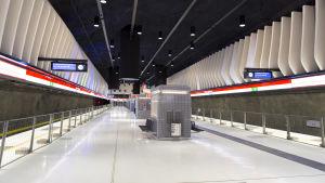 Koivusaaren metroaseman laituri.