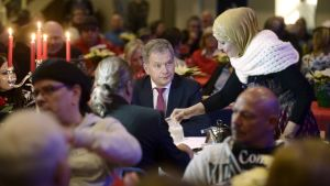 President Niinistö var närvarande vid Heikki Hurstis julfest för mindre bemedlade