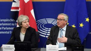 EU-kommissionens ordförande Jean-Claude Juncker och Strobritanniens premiärminister Theresa May i Strasbourg 11.3.2019
