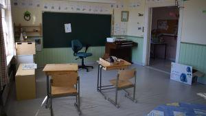 Ett gammalt klassrum i den gamla förskolan på Rosala.