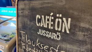 Skylt på Jussarö