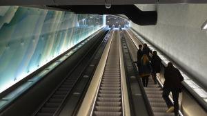 Rulltrappor till Drumsö metrostation.