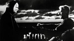 Scenen där Döden spelar schack med en riddare.