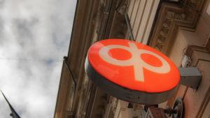 OP-pankki Helsingissä.