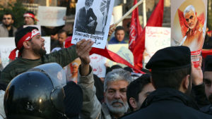 Iranska regeringstrogna demonstranter protesterar mot Storbritannien 12.1.2020