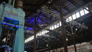 Interiör från gammal industrihall i billnäs bruk