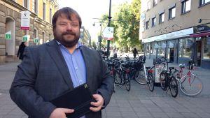Vi växer och de andra partierna måste förhålla sig till oss, säger Richard Carlsson från Sverigedemokraterna.