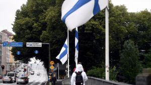 Flaggor på halvstång i Åbo.
