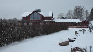 Ett varuhus i Ingå kyrkby som heter Strand.