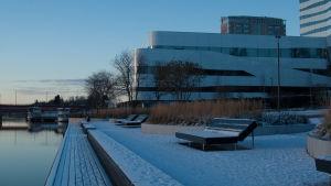 Kulturhuset Väven vid strandpromenaden i Umeå