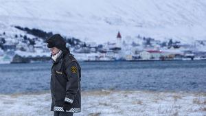 Näyttelijä Ilmur Kristjánsdóttir televisiosarjasta Loukussa.