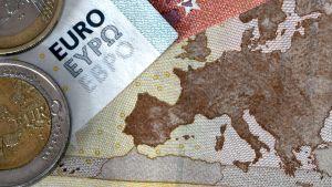 Både finska och europeiska politiker ska idunder lördagen diskutera Greklands framtid inom eurozonen.