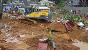 Hundratals människor omkom i jordskred i Freetown.