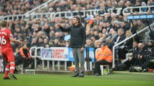 Maurucio Pellegrino ledde sitt lag mot Newcastle i Premier League den 10 mars.