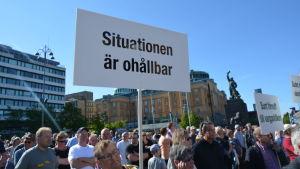 Vargdemonstration på Vasa torg.