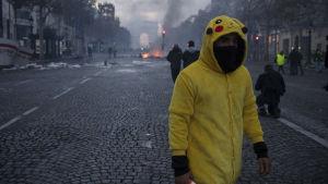 Protester mot bränslepriser i Paris.