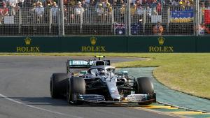 Valtteri Bottas kör i Australiens GP.