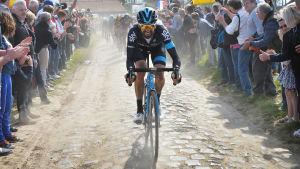 Den brittiska cyklisten Bradley Wiggins under den 113 upplagan 2015. Wiggins har vunnit det mesta på cykel, men inte Paris–Roubaix.