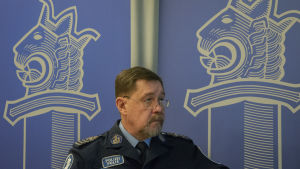 Portätt av biträdande polischef Bo-Erik Hanses vid Österbottens polisinrättning.