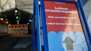 Koronaviruksen testauspiste Laakson sairaalassa Helsingissä 19.3.2020.