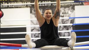 Elina Gustafsson i Helsingin Tarmos boxningssal.