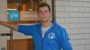 Rasmus Peterzens är speluppbyggare i Finlands landslag i kanotpolo.