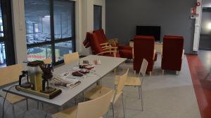 Köket och vilorummet i Karis nya brandstation.