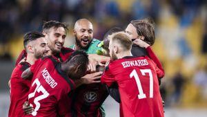Östersunds spelare firar över seger, Europa League 2017.