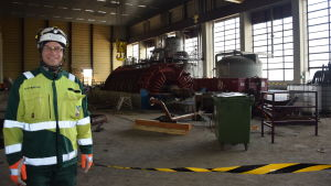 Ansvarig platschef Marko Vuorela i turbinsalen.