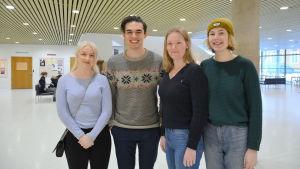 Gymnasieelever från Sverige besöker Åbo Akademi. Malin Grönqvist , Kristian Brännström , Amanda Ivansson, Alice Ingå.