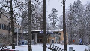 Ingång till raseborgs sjukhus.