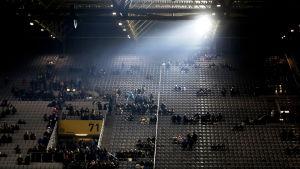Mycket plats på läktaren i Dortmund.