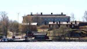 Hus på Stora Räntan utanför Brunnsparken i Helsingfors.