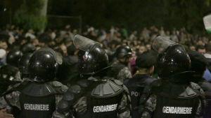 Polisen förhindrade demonstranternas försök att marschera till premiärministern bostad i stadskärnan i Amman